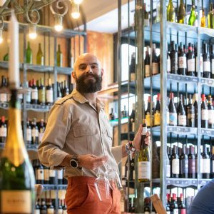 Become a wine discoverer! Actions in wine shops