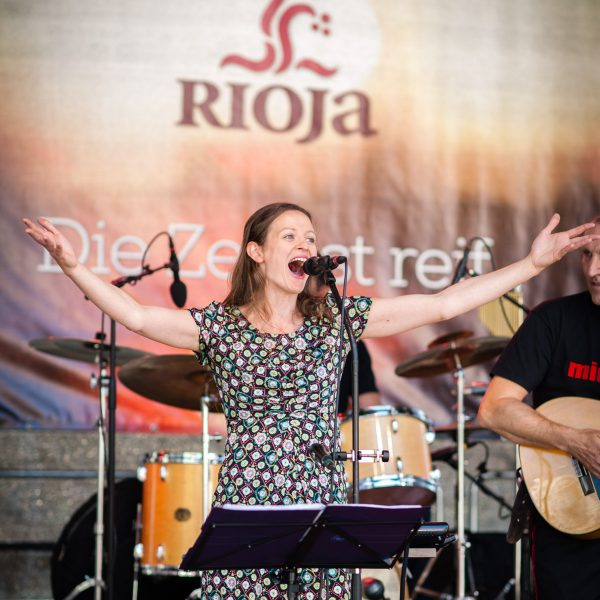Rioja winebar at the consumer festival Hamburg Cruise Days